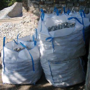 Worki Big Bag wypełnione kamieniami